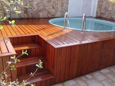 Round pool with paver deck Hot Tub Backyard, Small Backyard Pools, Diy Pool, Pool Decks, Small Pool Design, Deck Design, Piscina Rectangular, Kleiner Pool Design, Above Ground Pool Landscaping