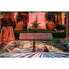 Modern twist on traditional African wedding decor #traditionalwedding #decor #traditional engagement #Regram via @bisolatrendybee Traditional Wedding Decor, African Wedding Dress, Good Times, Wedding Decorations, Wedding Inspiration, Sew, Bridal, World, Modern