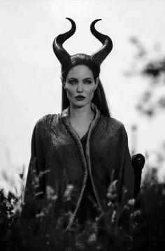 Angelina Jolie - Maleficent stills --- One of my Favorite movies of my favorite Disney villain. Maleficent Cosplay, Maleficent 2014, Maleficent Movie, Malificent, Maleficent Horns, Maleficent Quotes, Maleficent Makeup, Film Disney, Disney Live