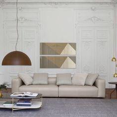 The Nils settee by Didier Gomez has a particularly welcoming, pillowy appearance. Its contours are harmonious and balanced, their simplicity counterbalanced by their soft appearance and the sophistication of the stitching employed. #modernlivingroomfurniture #contemporarylivingroomfurniture #luxurylivingroomfurnitures #luxurylivingroomfurniture #highendlivingroomfurniture