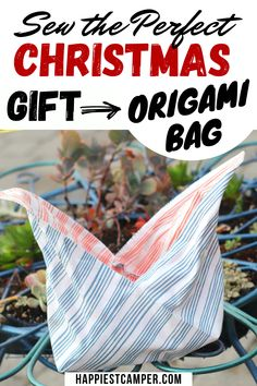 Looking for the perfect Christmas gift that you can sew? Look no further and sew this Origami Bag. This is an easy sewing project that makes a Great Christmas gift for anyone on your Christmas list. Easy to following step by step sewing tutorial will have this Origami bag Christmas gift sewn in no time. Sew the perfect Christmas gift an Origami Bag