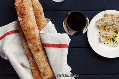 Bagietki - bez wyrabiania ciasta, z grubą, chrupiącą skórką i wilgotnym miąższem Bread Bun, Rolls, Ethnic Recipes, Food, Recipies, Buns, Essen, Bread Rolls, Meals