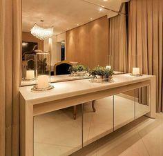 Móveis espelhados: 30 fotos e dicas para se inspirar e decorar Room Set, My Room, Dinning Room Buffet, Dining, Crockery Cabinet, Room Interior, Interior Design, Sala Grande, Home Decor Furniture