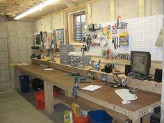 Garage Workshop Rent Edinburgh and Karwei Diy Workshop. Portable Workbench, Electronic Workbench, Workbench Designs, Workbench Plans, Garage Workbench, Garage Storage, Garage Organization, Computer Repair Shop, Basement Workshop
