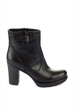 İnci Kadın · Kış Koleksiyonu - Hakiki Deri Siyah Bot IZBCYK5B11056420 %65 indirimle 149,99TL ile Trendyol da