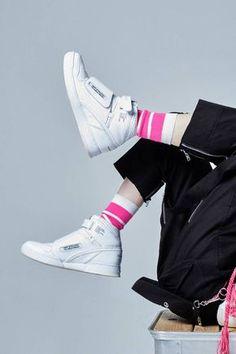 Mountain Research x Reebok Alien Stomper Release | HYPEBEAST Reebok Alien Stomper, Cyberpunk Fashion, American Sports, Adidas Stan Smith, Japanese Fashion, Hypebeast, White Leather, Fashion Shoes, Two By Two