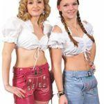 Dirndlbluse und Lederhose für Damen