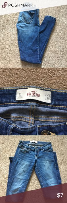 Hollister jeans Hollister jeans that have been worn a lot but are still in good condition. The label on the back is ripped a little Hollister Jeans Skinny