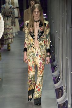 Gucci Autumn/Winter 2017 Ready-to-wear Collection | British Vogue