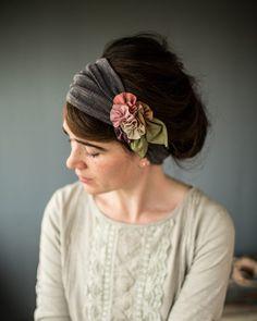Garlands of Grace Woodland Rosette Headwraps Sewing Headbands, Thin Headbands, Vintage Headbands, Handmade Headbands, Handmade Crafts, Handmade Rugs, Headband Styles, Diy Headband, Chic Short Hair