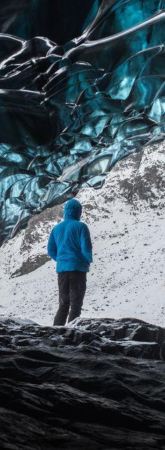 Blue Glacier Cave in the Vatnajökull Glacier, Iceland // Give your landscape…