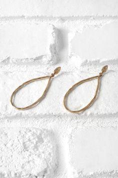 Gold Hammered Teardrop Earrings   #hoopearrings #hammeredearrings #teardropearrings