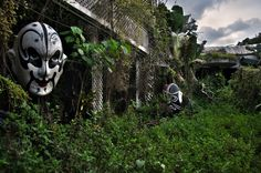 Like to spend your time in fun amusement parks? Here are the 5 worst amusement park ride accidents - you will definitely get those goosebumps on your skin! Visit Ghost Town Travels to check more scaring stories! Abandoned Mansions, Abandoned Buildings, Abandoned Places, Abandoned Castles, Abandoned Theme Parks, Abandoned Amusement Parks, Spooky Places, Haunted Places, Places Around The World