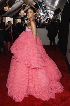Rihanna Photos - The 57th Annual GRAMMY Awards - Red Carpet - Zimbio