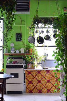 Jungle Kitchen   Küche In Grün Einrichten Küchen Inspiration, Individuelle  Küchen, Stilvoll Wohnen,