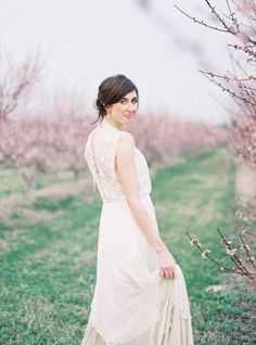 Photography by landonjacob.com Styling by parksideweddingstudio.com Floral Design by fern-studio.com  Read more - http://www.stylemepretty.com/2013/06/14/wiup-peach-orchard-photo-shoot-winners/