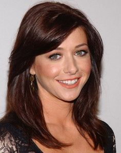 New hair color for fair skin hazel highlights long bobs ideas Hair Color For Fair Skin, Hair Color And Cut, New Hair Colors, Hair Colour, Alyson Hannigan, Stewart, Beautiful Redhead, Buffy, Hair Dos
