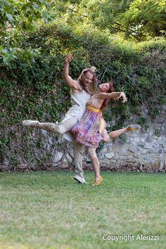 """Venaria: Danza nei giardini della Reggio, 17 settembre 2017 """"Natura in Movimento"""" è un festival di danza che offre al pubblico e ai visitatori spettacoli e performance di altissima qualità nei suggestivi spazi dei Giardini della Reggia di Venaria Reale. Arri #venariareale #danza"""