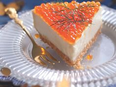 Cheese cake with salmon eggs Marie Claire, Salmon Eggs, Quiche Lorraine, Creative Food, Cake Cookies, Finger Foods, Food Inspiration, Appetizer Recipes, Entrees