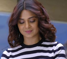 Cute Romantic Pictures, Jennifer Winget Beyhadh, Actress Pics, Jennifer Love, Stylish Girl Images, Beautiful Indian Actress, Hair Highlights, Indian Beauty, Short Hair Styles
