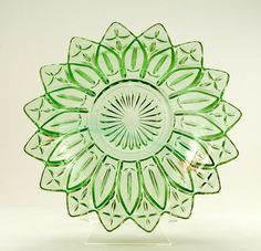 "Depression-glass-green-bowl.jpg (602×580) ( Federal Glass, bottom view of ""Petal"" serving bowl; 1950s-1960's"