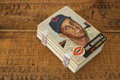 Image from http://craziestgadgets.com/wp-content/uploads/2010/08/baseball-card-notepad-500x333.jpg.