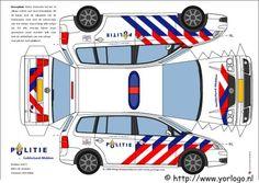 Bouwplaten ambulance, politie en brandweer - Fimo- en ander creatief gefröbel Paper Model Car, Paper Car, Paper Models, Paper Toys, Paper Crafts, Volkswagen Touran, Mitsubishi Grandis, Papercraft Anime, Toyota Verso