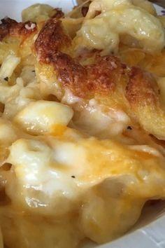 Grandma's Southern Mac and Cheese Recipe - Cheese Recipes Mac N Cheese Recipe Southern, Mac And Cheese Recipe Soul Food, Southern Recipes, Creamy Macaroni And Cheese, Macaroni Cheese Recipes, Baked Chicken Recipes, Side Dish Recipes, Side Dishes, Easy Casserole Recipes