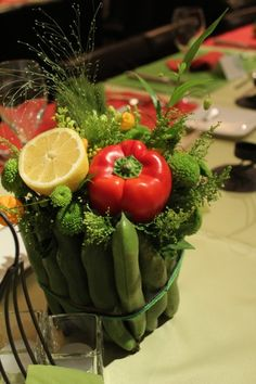 vivo la citaプロデュースのブライダル 新郎さんは飲食店勤務 新婦さんは栄養士 結婚式のテーマは『 春の収穫祭 』   打ち合わせで...