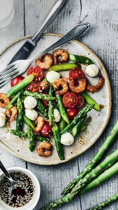 Green Asparagus with Shrimp & Mozzarella