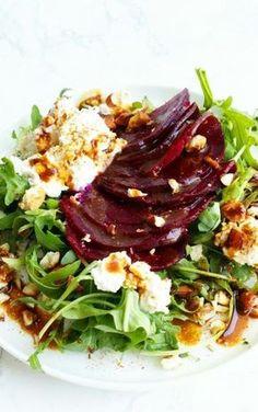 Carpaccio z buraka i dressingiem na bazie sosu sojowego Healthy Salad Recipes, Diet Recipes, Cooking Recipes, Ensalada Thai, Kebab, Good Food, Yummy Food, Side Salad, International Recipes