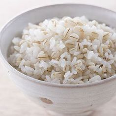 13 Best Foods for Crohn's Disease:: * Rice * A traditional choice for anyone who's suffering from stomach woes, white rice and other refined carbohydrates may not be super-nutritious, but they're easy on the gut. They can also provide the calories you need during intestinally challenging times. Just make sure these simple carbs aren't crowding protein and well-cooked veggies out of your diet.