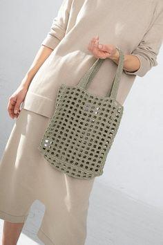 Lauren Manoogian Paper Net Bag - Herb on Garmentory Crochet Bowl, Quick Crochet, Diy Crochet, Crochet Market Bag, Crochet Handbags, Crochet Tote Bags, Tote Pattern, Knitted Bags, Bling Bling