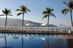 Alberca Hotel Calinda Beach