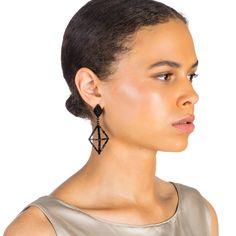 Lulu Frost | HELENA BLACK EARRING