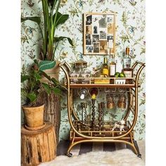 You don't have a big bar at home or space for a bar? Create one with a stylish bar cart. Just in time for holiday entertaining PLUS some great ones on sale. Diy Bar Cart, Bar Cart Styling, Bar Cart Decor, Styling Tips, Brass Bar Cart, Gold Bar Cart, Mini Bars, Bar Design, House Design