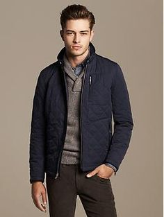 Discover Banana Republic men's outerwear sale for bargains on the latest styles. We offer men's outerwear sale items including topcoats, jackets, blazers and more at a real savings. Quilted Jacket Outfit, Mens Quilted Jacket, Revival Clothing, Outfits Hombre, Big Men Fashion, Outfit Combinations, Looks Style, Men Casual, Menswear