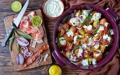 Fűszeres sült újkrumpli ropogós baconnel: joghurttal meglocsolva kitűnő egytálétel - Recept | Femina