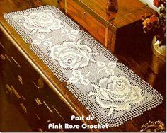 Caminho de mesa Croche Filet rosas