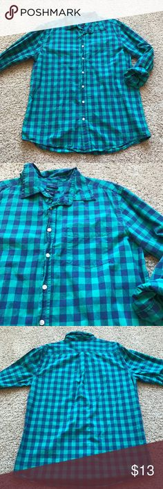 Gap Plaid Button Down Gap • True to Size • Gently Worn • Green and Navy Plaid • Classic Fit •  100% Cotton GAP Tops Button Down Shirts