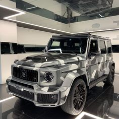 Rate it ⤵️ Mercedes-AMG BRABUS😍😍 What do you think of it. Mercedes Benz Amg, Mercedes Jeep, Mercedes G Wagon, Benz Car, Luxury Sports Cars, Top Luxury Cars, Mercedez Benz, Lux Cars, Suv Trucks