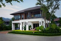 Single House at San Sai, Chiangmai from Sansiri Colonial House Exteriors, Modern Exterior House Designs, Dream House Exterior, Modern House Design, Tropical House Design, Village House Design, Kerala House Design, Bungalow House Design, House Front Design
