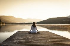 5 More Natural Solutions For Anxiety Anxiety can be disabling. It can affect people of all ages, and in about half of cases anxiety is accompanied by depression. Experiencing some anxiety - which is. Meditation Apps, Meditation Benefits, Meditation Practices, Kundalini Yoga, Pranayama, Yin Yoga, Reiki, Vision Positive, Positive Living