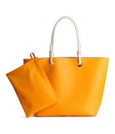 Shopper in grained imitation leather with an imitation suede lining and two handles at the top attached by knots. It Bag, Best Beach Bag, Espadrilles, H&m Gifts, Leather Clutch Bags, H&m Online, Fashion Company, Large Bags, Knots