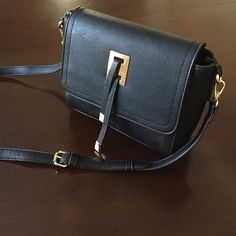 Spotted while shopping on Poshmark: Black Handbag! #poshmark #fashion #shopping #style #Handbags