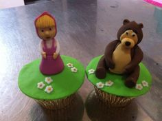 Mascha and the bear.. Cup cakes..