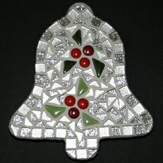 Christmas Mosaics, Christmas Snowflakes, Christmas Baubles, Sea Glass Mosaic, Mosaic Art, Mosaic Tiles, Mosaic Designs, Mosaic Patterns, Stained Glass Patterns