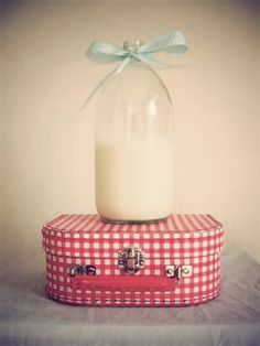 Gingham and milk by Vegrandis, via Flickr