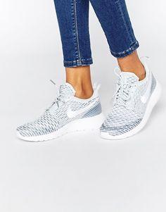 new product 3741e 5c8e1 Nike Roshe Platinum White Fly Knit Trainers Nike Tennis Shoes, Running Shoes  Nike, Nike