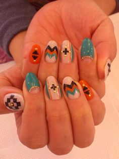 native pattern nails - mi likey! Definetly getting these@ my next manicure!!!!!!! ;D U jelly!?